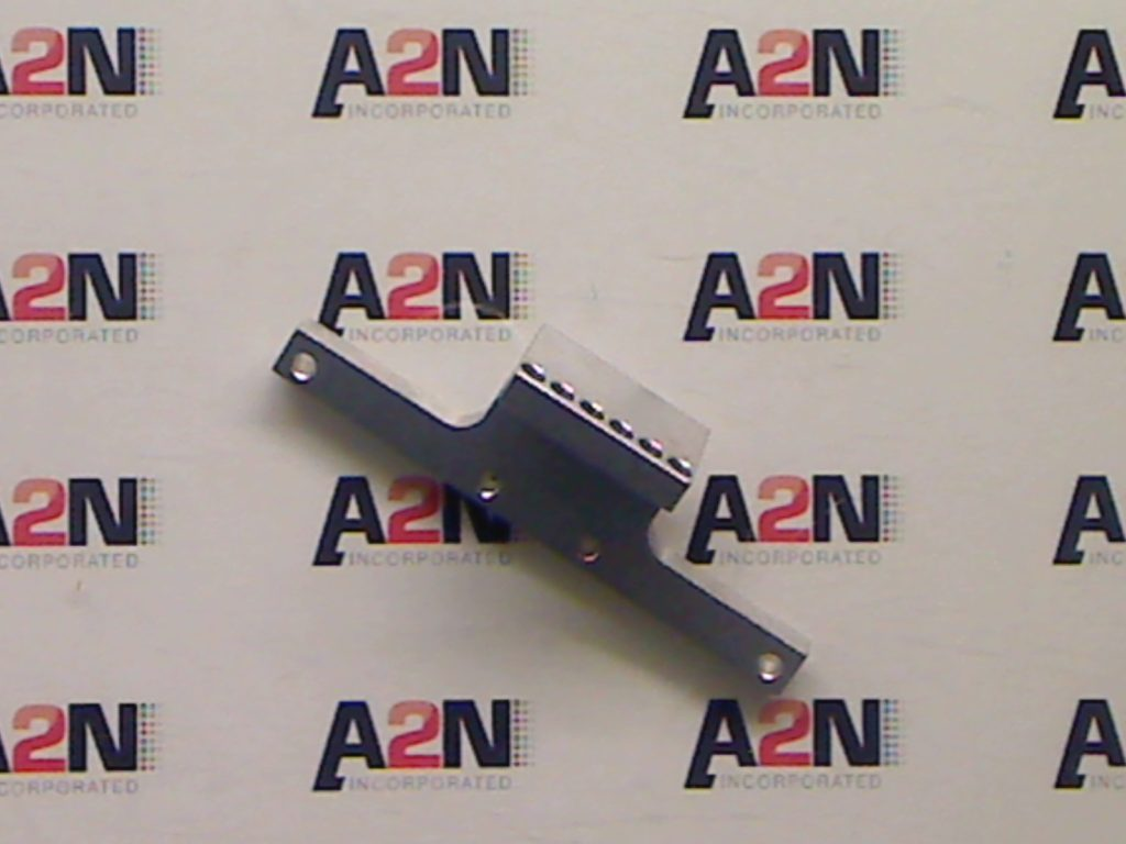 A single imager bracker adapter for a universal mail table mount